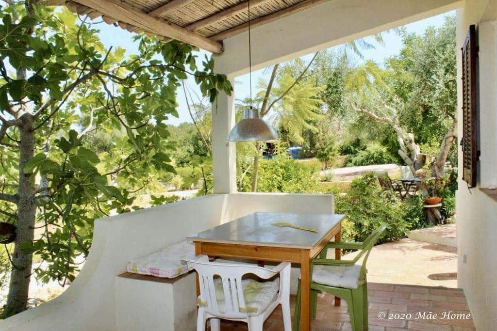Property rental Quelfes Olhão Algarve shaded terrace kitchen