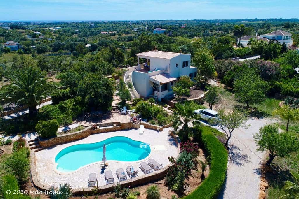 Huis huren Algarve - luchtfoto villa met zeezicht en privézwembad
